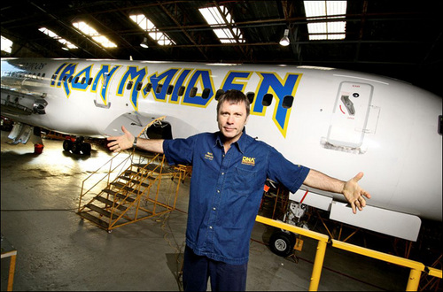 Good Bruce Greeting Ed Force One When It Was Finished Being Painted ...