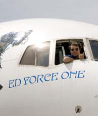 ... The Cockpit Of Ed Force One On The Ground In Australia ...